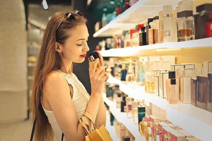 7 damskich perfum idealnych na jesień