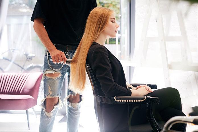 Szukasz dobrego fryzjera w Poznaniu? Sprawdź to, zanim zadzwonisz do przyjaciółki