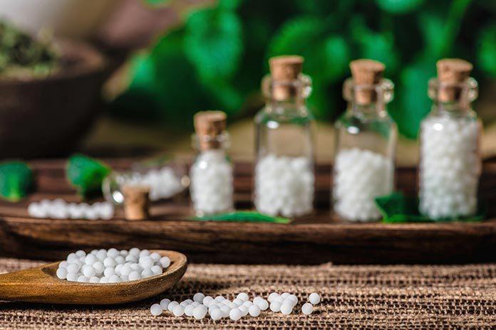 Homeopatia na menopauzę – jak to działa?